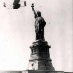 Daily History Picture: Wilbur Flies Around Liberty