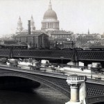 Daily History Picture: Crossing a London Bridge