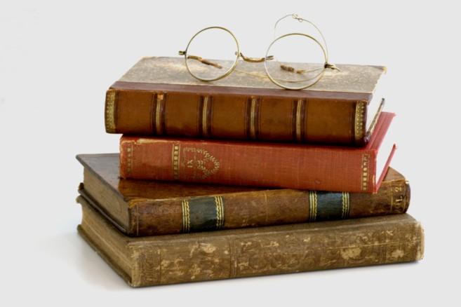 what makes a good historian beachcombing s bizarre history blog
