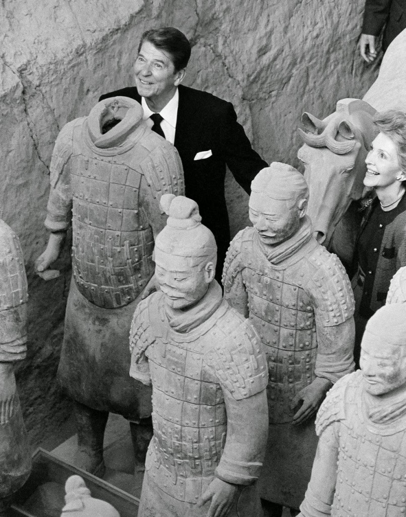 reagan and nancy with the clay soldiers 1984