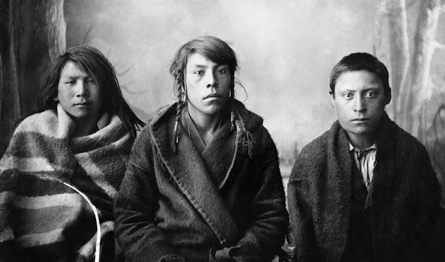 daily history picture three blackfoot braves beachcombing s