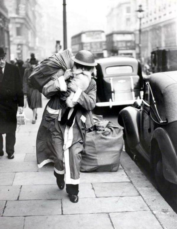 santa london blitz 1940