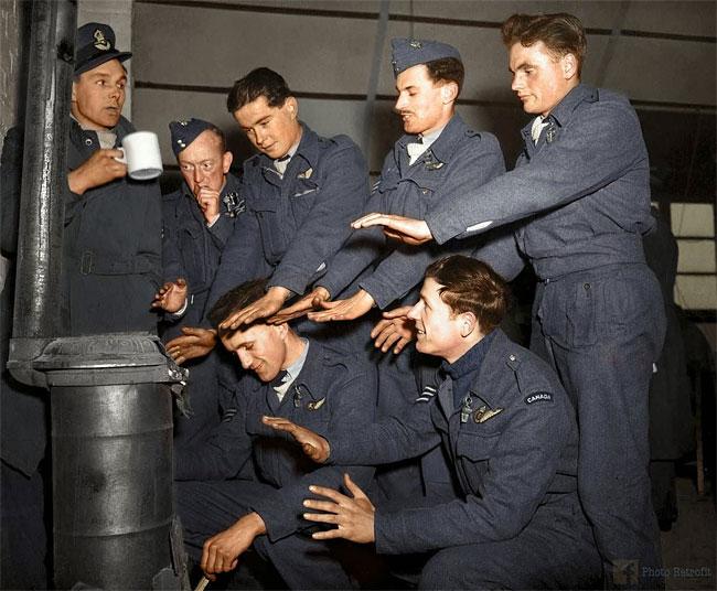 british-bomber-crew-back-from-raid-on-stuttgart-2-march-1944