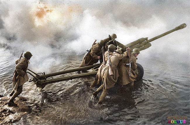 Daily History Picture: Artillery Forward