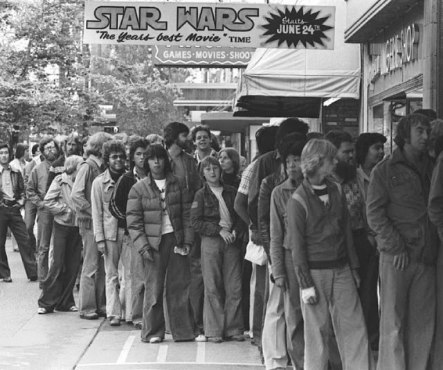 Daily History Picture: Queuing for Star Wars